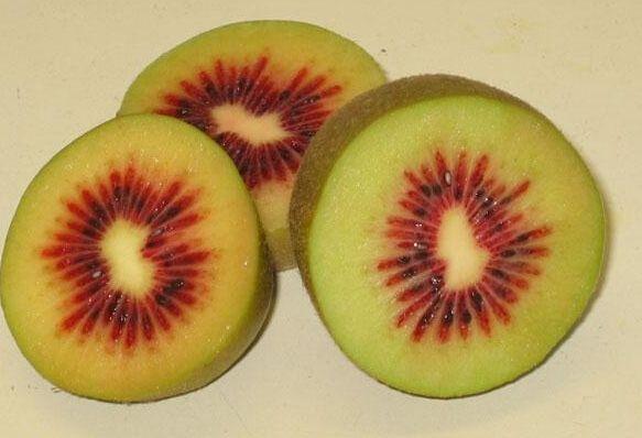 火爆朋友圈的红心猕猴桃真的营养价值比普通猕猴桃高吗?