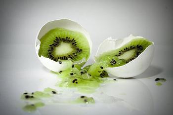 女性多吃绿茶猕猴桃对付乳腺癌