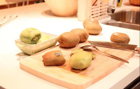 猕猴桃的皮能吃吗 猕猴桃的皮有什么作用