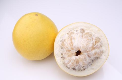 柚子和猕猴桃可以一起吃吗 柚子和猕猴桃榨汁可以吗
