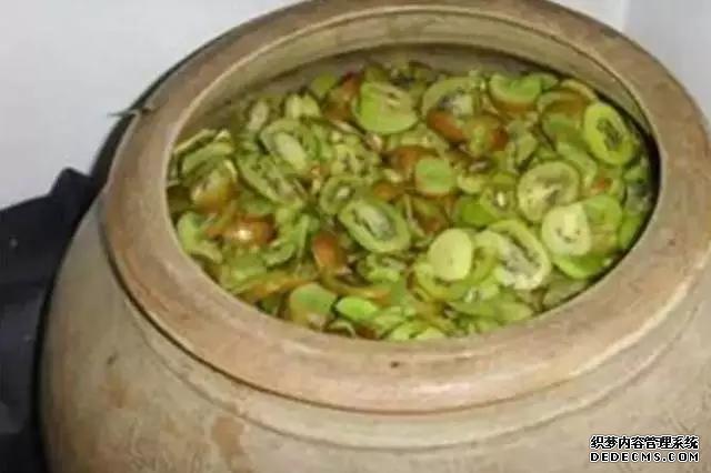 【白酒酿酒设备】雅大猕猴桃酒的酿制方法