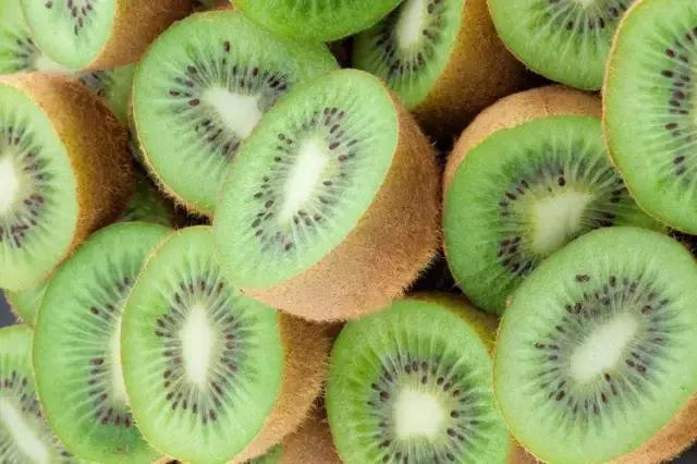 红心猕猴桃和绿心猕猴桃的区别品种/营养价值/口感/ 哪个好吃