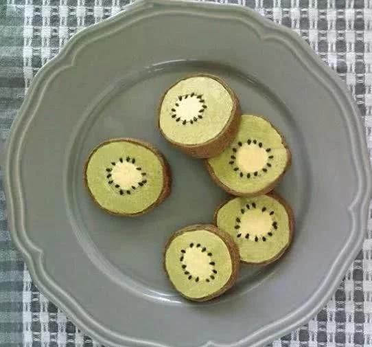 看起来像猕猴桃,其实是饼干,连皮都能吃,不信你来看