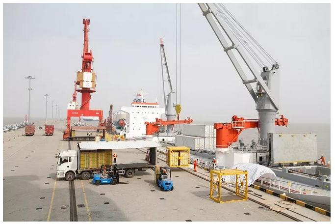 2018新季佳沛猕猴桃首船今早抵达上海南港-国际动态